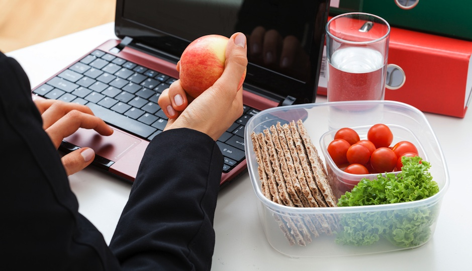 8 Healthy Office Snacks That Will Keep You Energized
